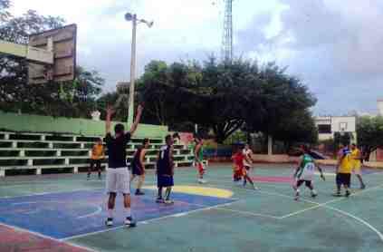 pueblo cancha centrale basket-ball baloncesto république dominicaine tourisme río san juan mi maría trinidad sánchez